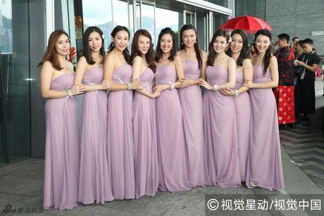 """""""Chi ca TVB"""" Duong Di deo vang nang triu tay trong ngay cuoi - Anh 9"""