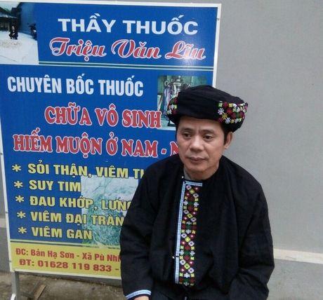 Hang tram cap vo chong thoat vo sinh nho bai thuoc dan toc - Anh 1