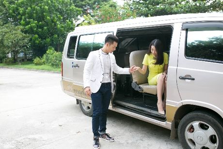 Hanh dong ga-lang cua Duc Tuan khi gap Hoa hau Do My Linh - Anh 1