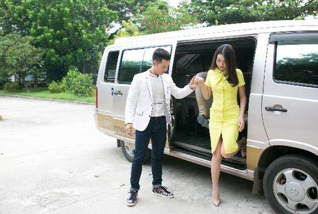 Hanh dong ga-lang cua Duc Tuan khi gap Hoa hau Do My Linh - Anh 2
