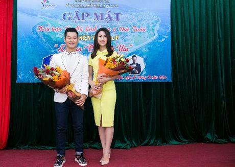 Hanh dong ga-lang cua Duc Tuan khi gap Hoa hau Do My Linh - Anh 4