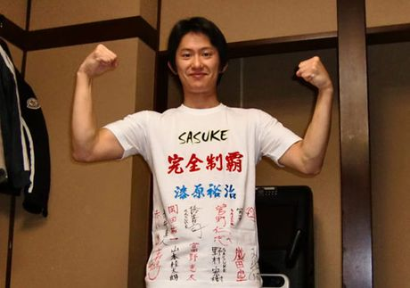 """Sieu chien binh duy nhat 2 lan """"pha dao"""" Sasuke - Anh 2"""