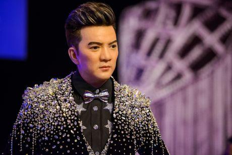 Vu Hoang Viet va nguoi tinh U60 tinh tu di xem show cua Mr. Dam - Anh 2