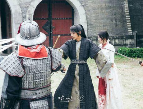 Ban luan 'Moon Lovers': Wang So khong ac moi la la! - Anh 16