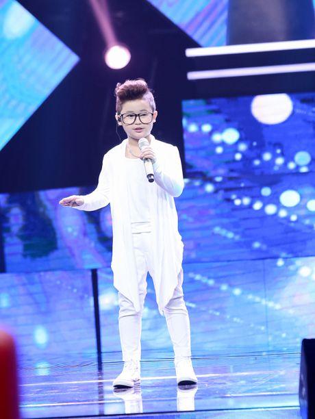 Nhung tiet muc 'don tim' fan cua soai ca nhi Chu Tuan Ngoc tai Giong hat Viet nhi 2016 - Anh 2
