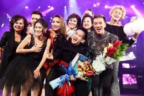 Dam Vinh Hung nen dau hat nhay cuc sung trong Diamond show hon 2 tieng ruoi - Anh 13