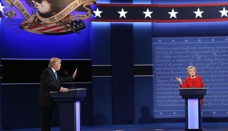 Donald Trump xoay dung diem yeu khien Hillary Clinton dung hinh - Anh 1