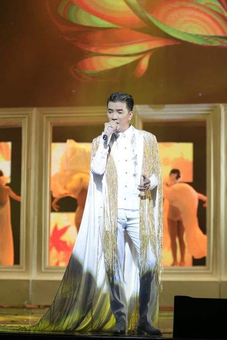 Liveshow 20 nam ca hat cua Dam Vinh Hung: Hoanh trang, mau sac nhu Las Vegas thu nho - Anh 10