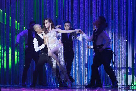 Liveshow 20 nam ca hat cua Dam Vinh Hung: Hoanh trang, mau sac nhu Las Vegas thu nho - Anh 19