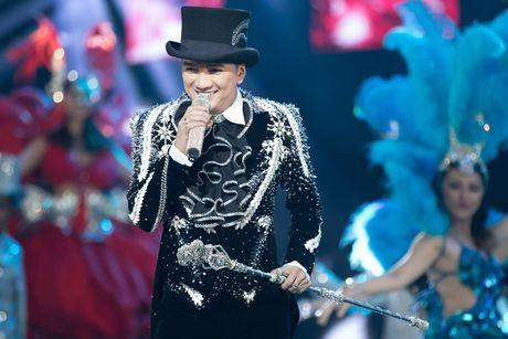 Liveshow 20 nam ca hat cua Dam Vinh Hung: Hoanh trang, mau sac nhu Las Vegas thu nho - Anh 24