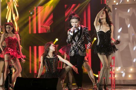 Liveshow 20 nam ca hat cua Dam Vinh Hung: Hoanh trang, mau sac nhu Las Vegas thu nho - Anh 5