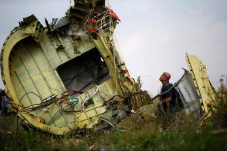 Ten tuoi cac thu pham vu ban roi MH17 sap lo dien - Anh 3
