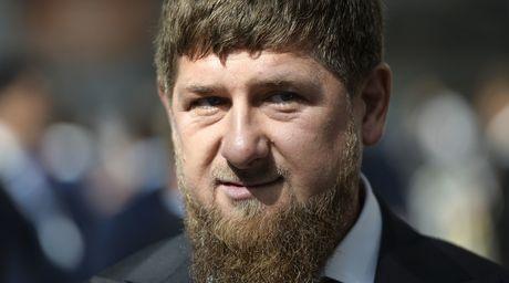 Lanh dao Chechnya doi 'ban thang tay' toi pham ma tuy - Anh 2