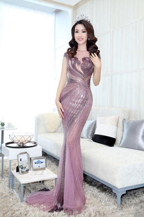 My Linh, Pham Huong vao top trang phuc dep thang 9 - Anh 1