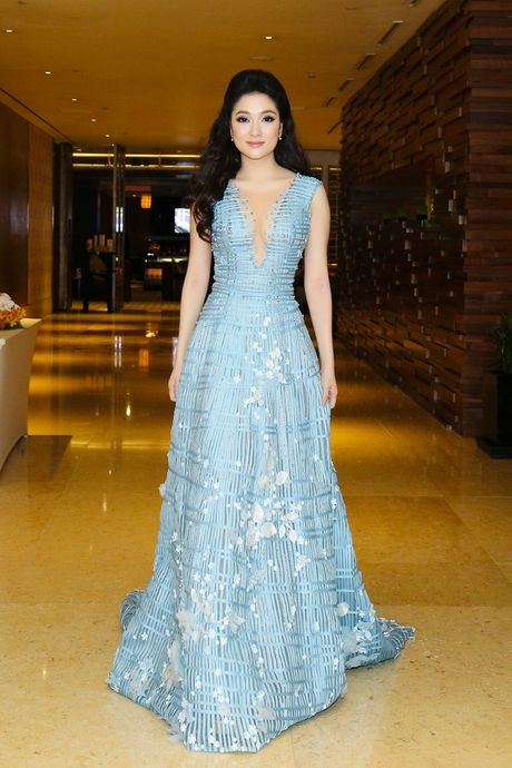 My Linh, Pham Huong vao top trang phuc dep thang 9 - Anh 5