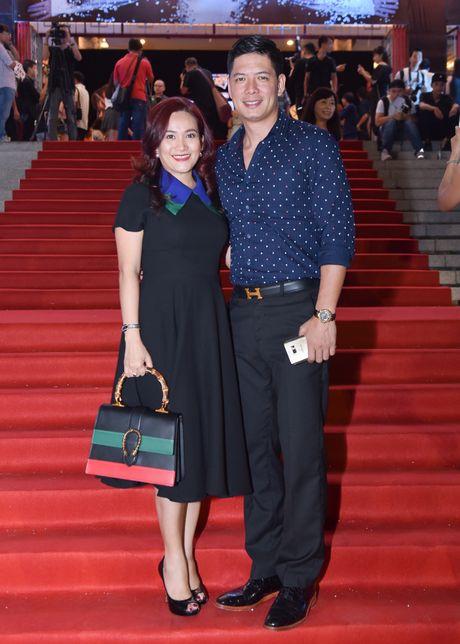 Dan sao Vpop tap nap xem live show Dam Vinh Hung - Anh 7