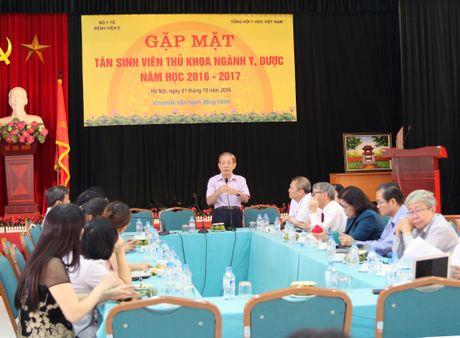 Gap mat tan sinh vien thu khoa nganh y, duoc nam hoc 2016-2017 - Anh 2