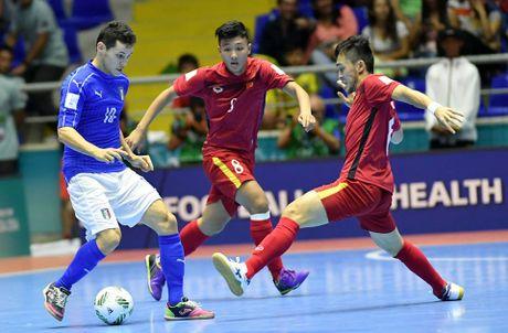 FIFA trao giai Fair-play cho doi tuyen futsal Viet Nam - Anh 1