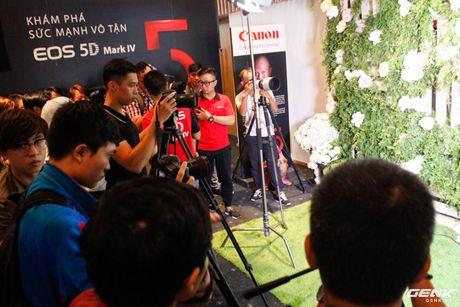 Canon Viet Nam chinh thuc gioi thieu sieu pham EOS 5D Mark IV: nhe, manh va nhieu tinh nang hon - Anh 1