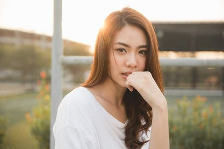 Khuon mat ban se hop voi kieu chia ngoi toc nhu the nao? - Anh 6