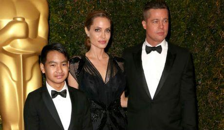 Angelina Jolie khong muon Brad Pitt gap rac roi phap ly vu bao hanh con - Anh 1