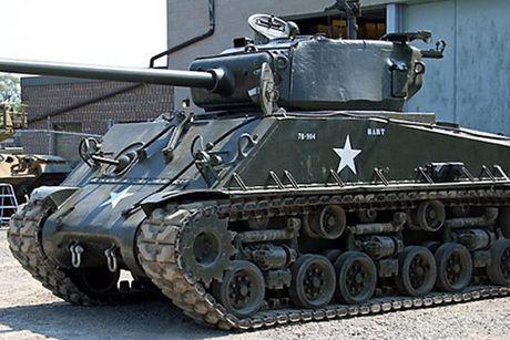 Chiem nguong xe tang hang trung M4A2 Sherman cua My va Canada - Anh 1