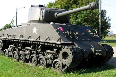 Chiem nguong xe tang hang trung M4A2 Sherman cua My va Canada - Anh 2