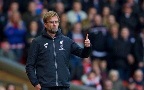Klopp khong 'them' ky niem tron 1 nam dan dat Liverpool - Anh 1