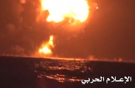 Toan canh vu phien quan Houthi oanh tac tau chien UAE - Anh 8