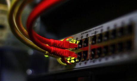 Chuan Ethernet moi cho toc do 5Gbps tren cung cap mang hien nay - Anh 1