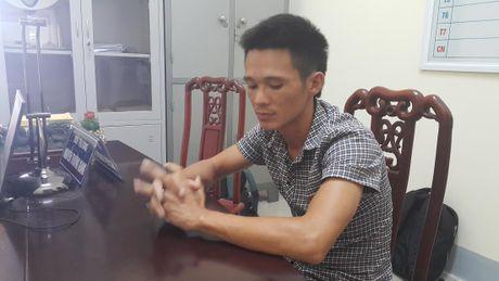 Cong an trieu tap tai xe lai xe tai bang chan tren duong cao toc - Anh 2