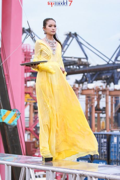 Hanh trinh but pha len ngoi quan quan Vietnam's Next Top Model cua Ngoc Chau - Anh 2