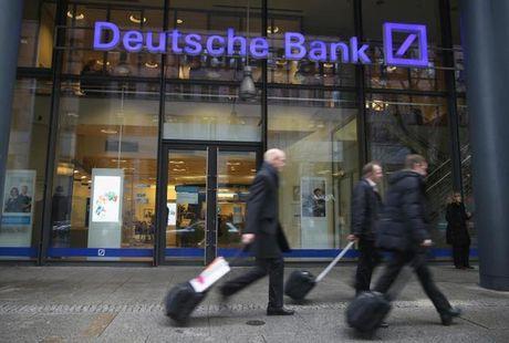 Nguy co khung hoang tai Deutsche Bank - Anh 1