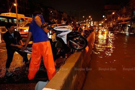 "Bangkok kho so trong ""ac mong"" bi bom - Anh 3"