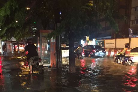 "Bangkok kho so trong ""ac mong"" bi bom - Anh 4"