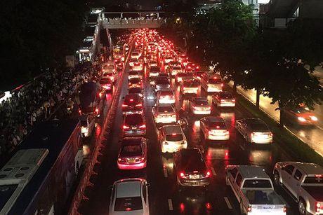 "Bangkok kho so trong ""ac mong"" bi bom - Anh 5"