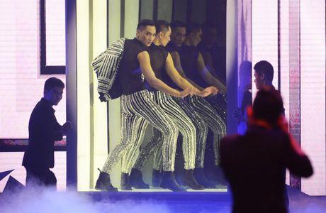 Ngoc Chau dang quang Vietnam's Next Top Model day bat ngo - Anh 5