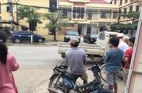 Ha Noi: Vien truong VKSND huyen Quoc Oai bi dam trong thuong tai phong lam viec - Anh 1