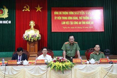 Thu truong Nguyen Van Thanh lam viec tai Cong an tinh Nghe An - Anh 1