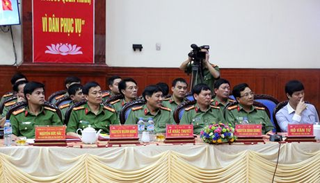 Thu truong Nguyen Van Thanh lam viec tai Cong an tinh Nghe An - Anh 2