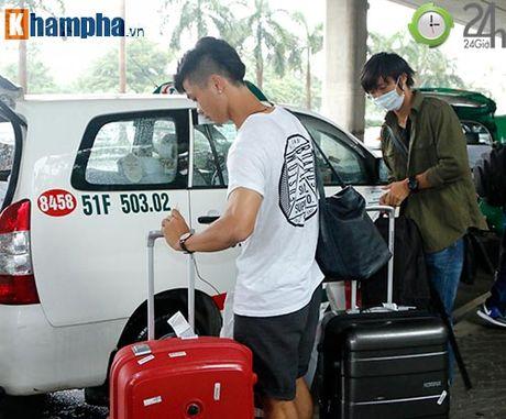 Fan nu xinh don Cong Phuong, Tuan Anh deo khau trang bi an - Anh 8