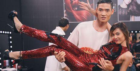 Anh hau truong: Fung La nam gon trong vong tay Minh Phong - Anh 1