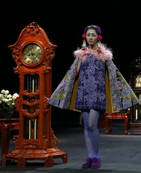 Vietnam Fashion Week Xuan He dem cuoi: Thoi gian lang dong - Anh 4