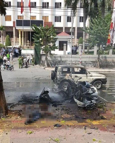 Hien truong vu no taxi kinh hoang giua duong pho Quang Ninh - Anh 2