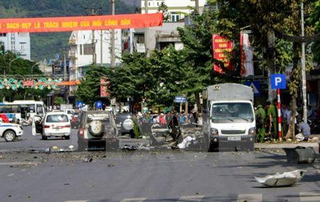 Quang Ninh: Da xac minh danh tinh lai xe trong vu o to no nat vun - Anh 1