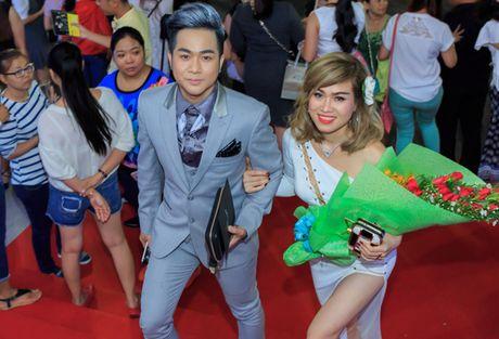 Quach Tuan Du lan dau khoe ban gai doanh nhan - Anh 1