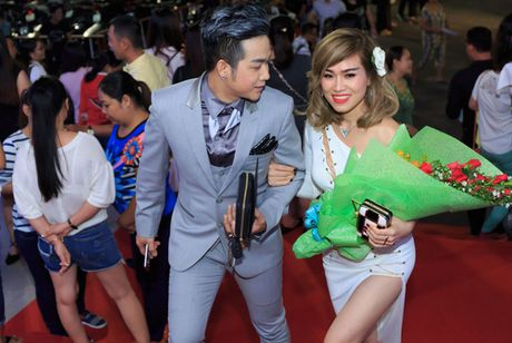 Quach Tuan Du lan dau khoe ban gai doanh nhan - Anh 2