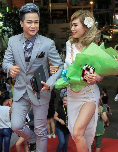 Quach Tuan Du lan dau khoe ban gai doanh nhan - Anh 3