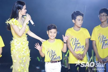 Hoc tro The Voice Kids 2016 chay het minh trong dem Liveshow dang cap cua Dong Nhi - Anh 11