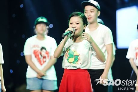 Noo Phuoc Thinh cam dong suyt khoc truoc mon qua dac biet cua Top 6 The Voice Kids va cac fan - Anh 6
